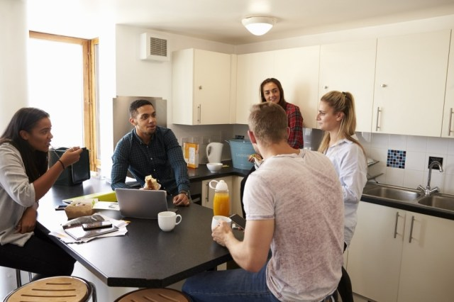 students in kitchen asking what to take to uni halls