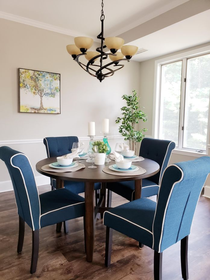 Picture of dining table staged for sale