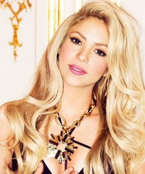 shakira blonde hair