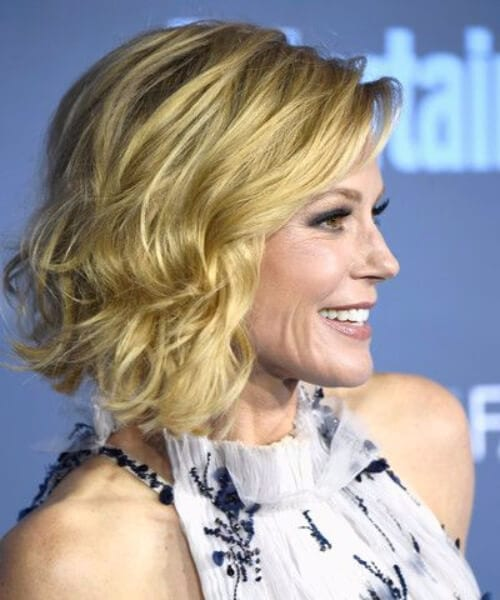 julie bowen hairstyles for women over 40