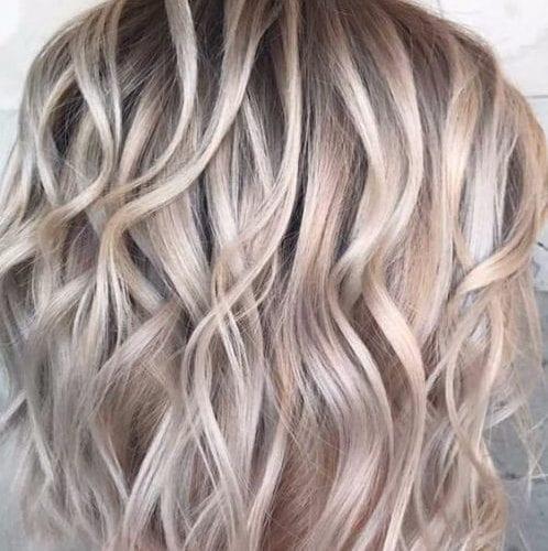 medio de la longitud de los cortes de pelo en capas