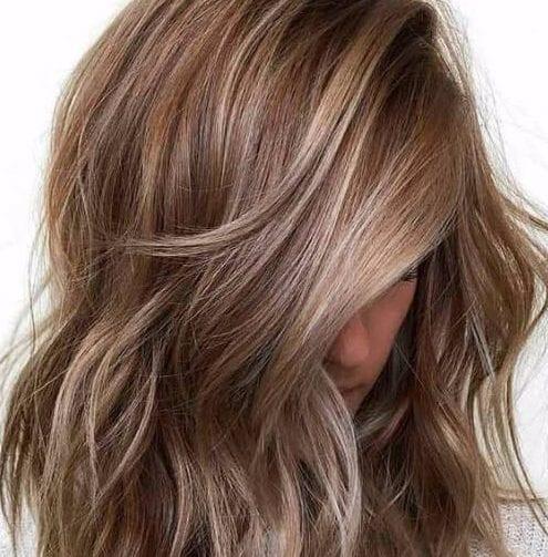 la nuez moscada cortes de pelo en capas