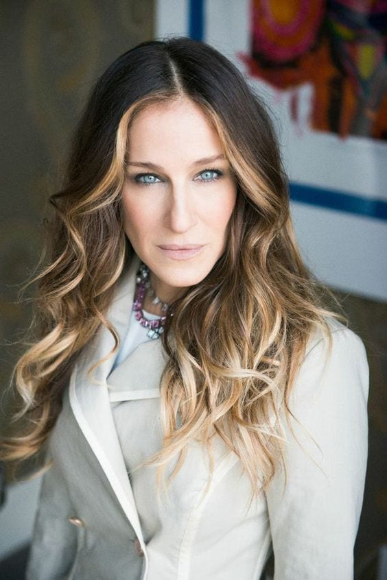 Sarah Jessica Parker brown hair with blonde highlights