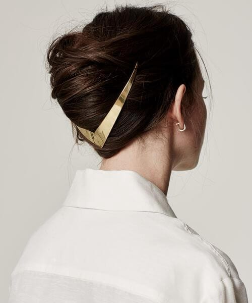minimalist wedding hairstyles for long hair