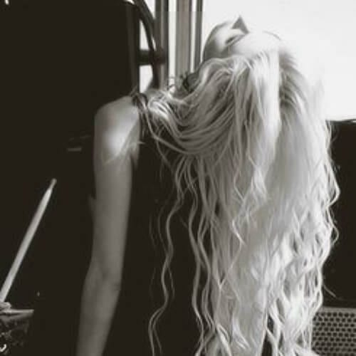taylor momsen long curly hairstyles