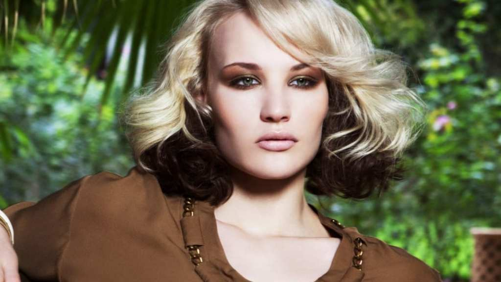 blonde and brown two toned hairstyles Inspirational Two tone hair coloring with blonde top hair and brown