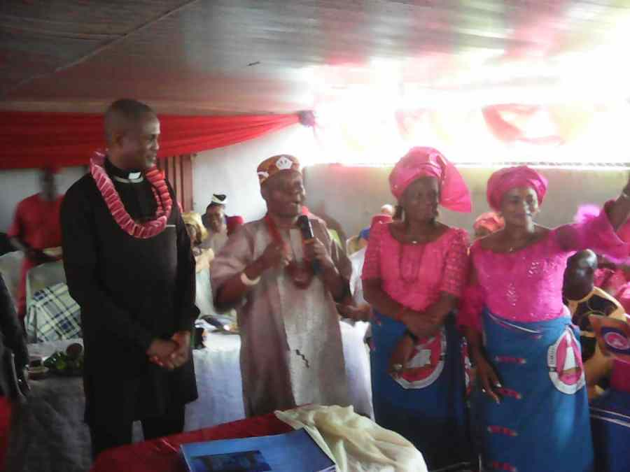 Umudibia Women with Rector, Federal Polytechnic, Nekede, Owerri, Dr Michael Chidiebere Arimanwa and traditional ruler of Umudibia community on the August Women Meeting