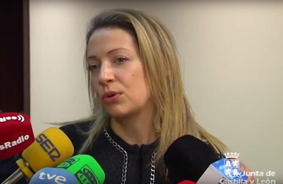 Spain's sex minister urges couples to have more babies