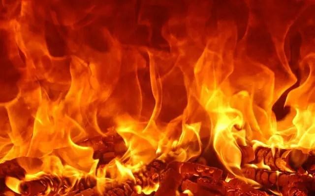 Fire burns Nayiri's Palace in Nalerigu