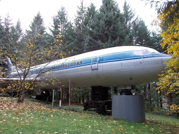 Meet the man who lives in a Boeing 727 in the middle of the woods