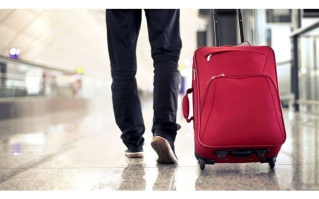 Would you carry something abroad for a stranger?