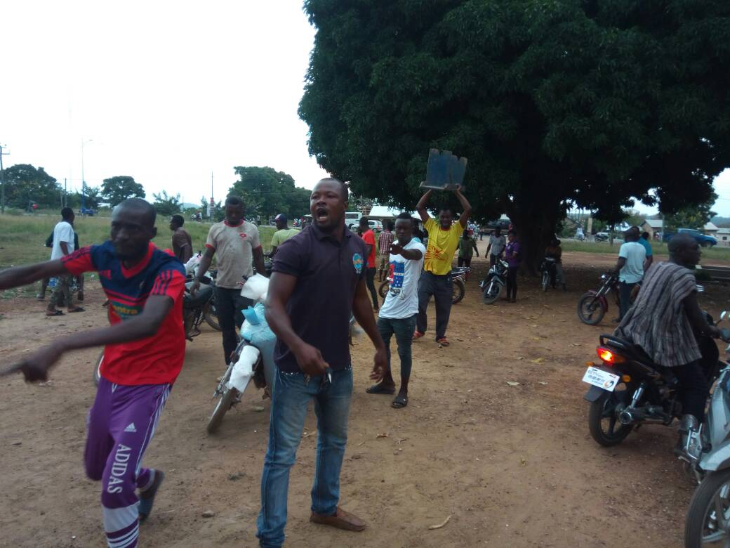 Bole youth clash with NCA , armed military personnel over closure of radio station