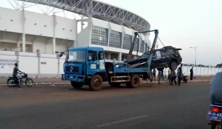 Defeated Bugri Naabu finally moves his mangled vehicle from Aliu Mahama stadium