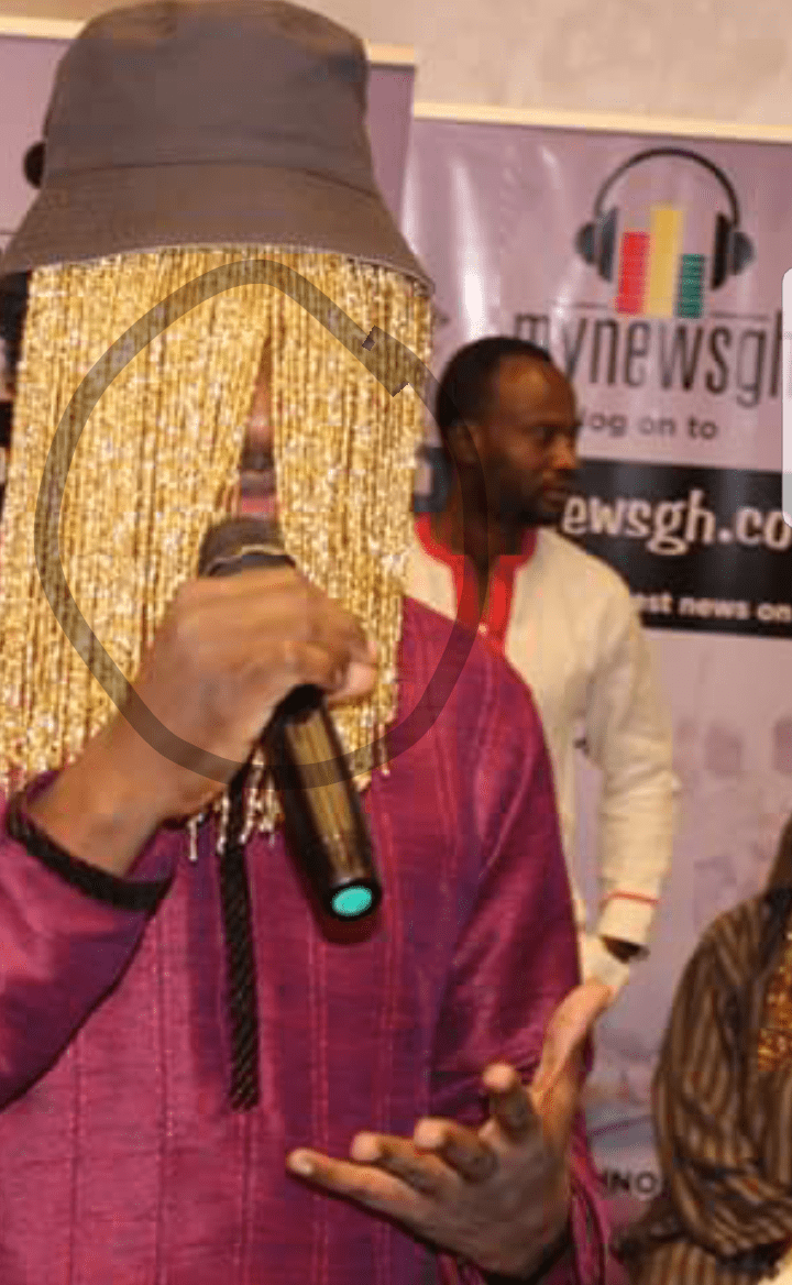 UNBELIEVABLE: Anas exposes his FACE by MISTAKE!