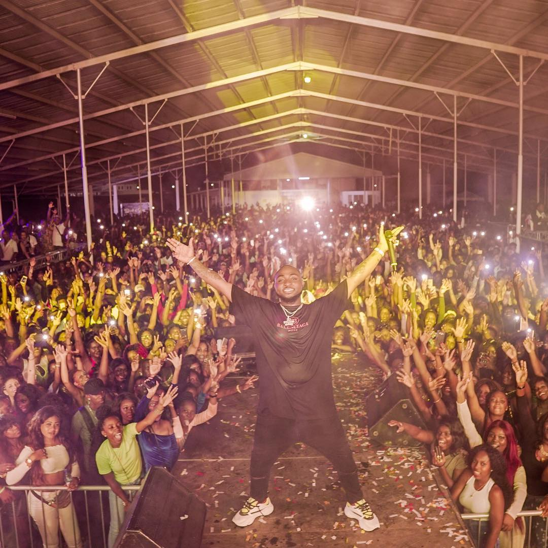 Davido stunned by a crowd of 10,000 in Suriname