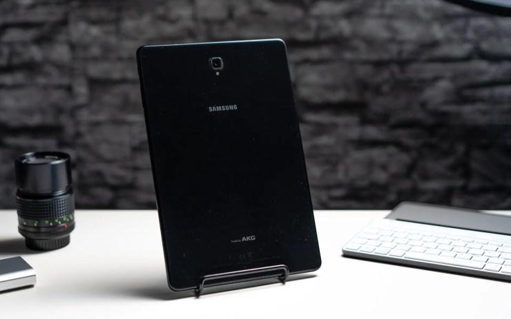 Samsung Galaxy Tab S4 in black