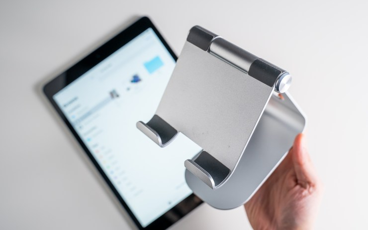Lamicall iPad Stand