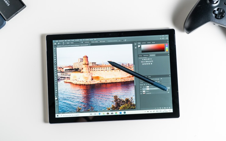 Microsoft Surface Pro 7 with Photoshop