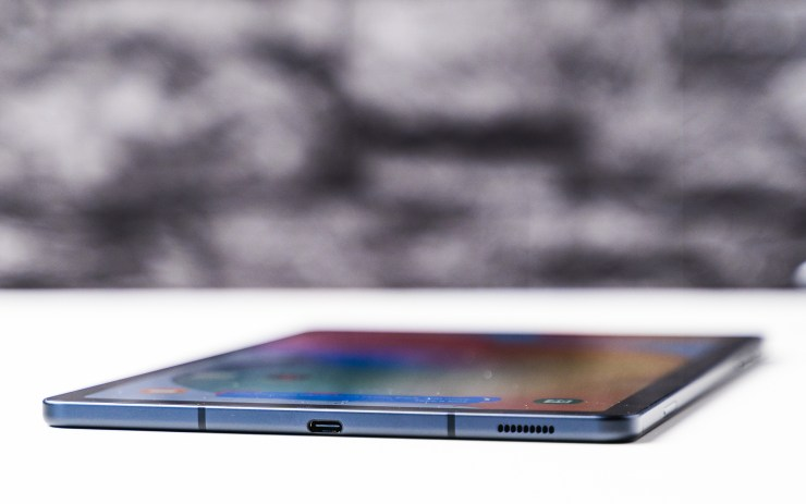 Samsung Galaxy Tab S6 Lite USB C port