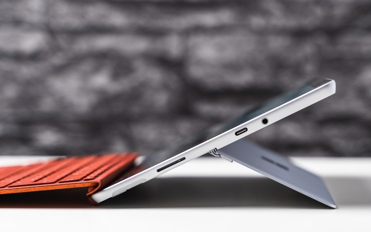 Microsoft Surface Go 2 usb c port