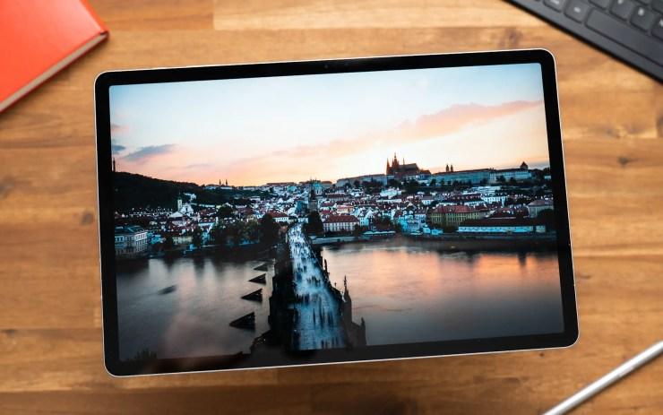 Samsung Galaxy Tab S7 FE display