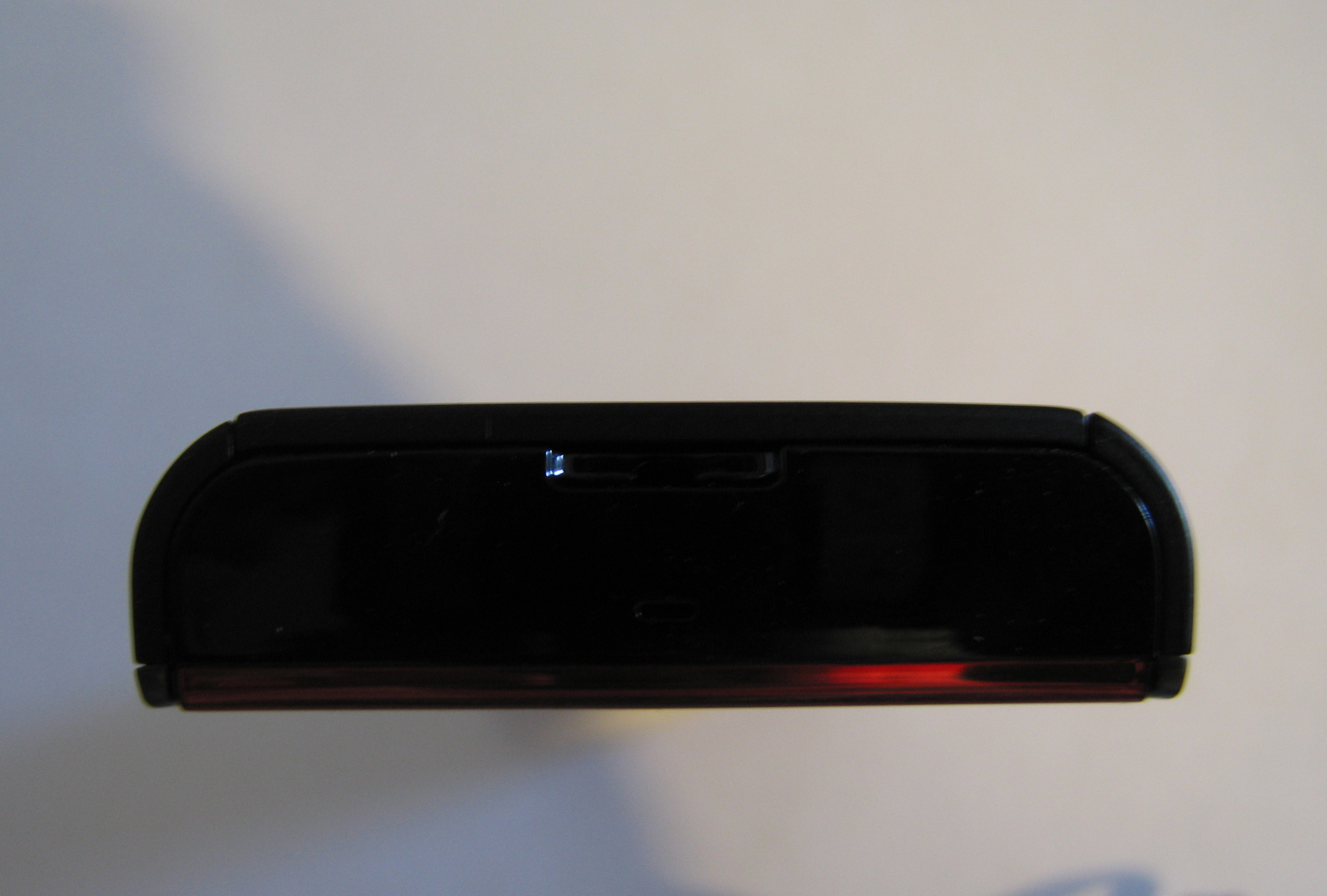Nokia X6 – Bottom