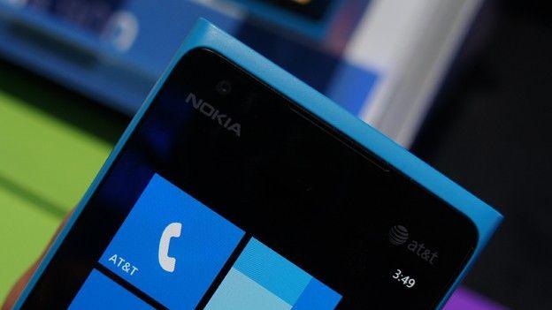 xl_Nokia_Lumia_900_hands_on4
