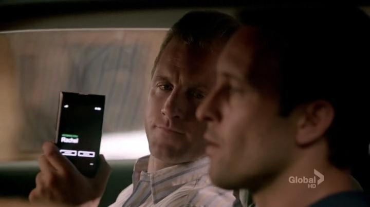 Hawaii.Five-0.2010.S03E01.HDTV.x264-LOL.[VTV].mp4_snapshot_25.51_[2012.10.13_12.11.15]