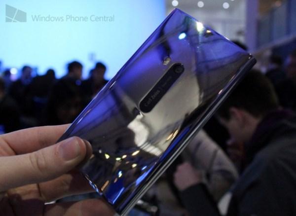 Chrome Lumia 900 back