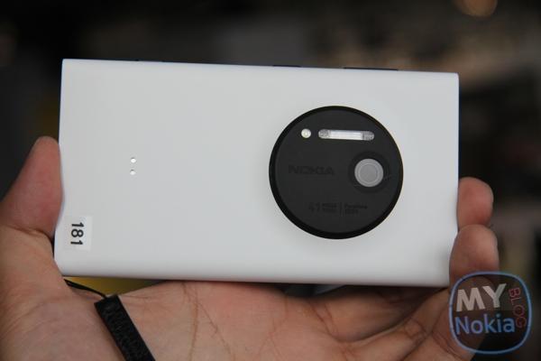 MNB IMG_0392 Nokia Lumia 1020 White