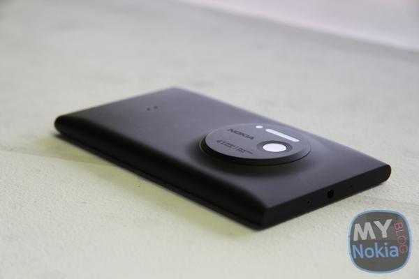 MNB IMG_0470Nokia Lumia 1020 black