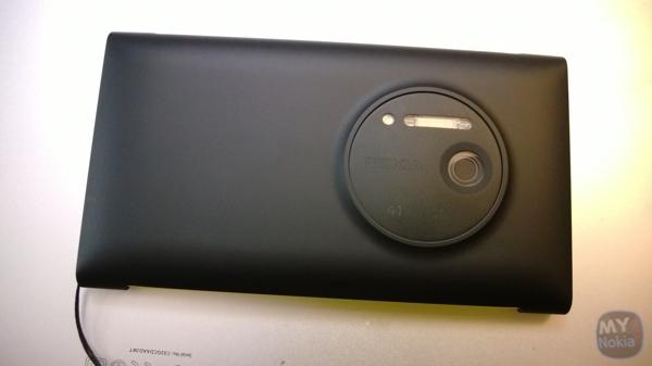 1020 wallet chargingWP_20131005_22_38_32_Pro