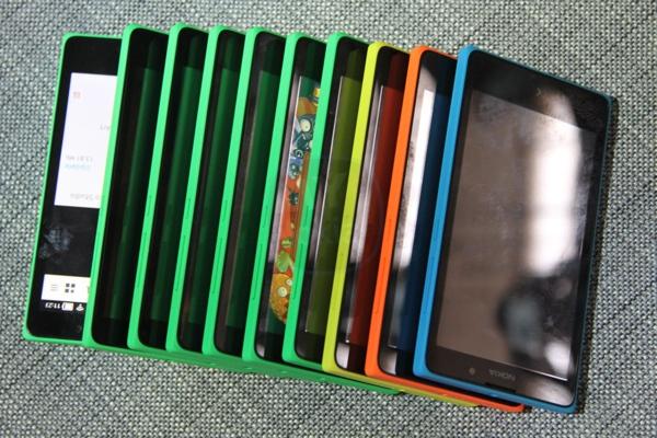 MNBIMG_3886Nokia X colours