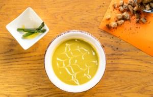 Supă cremă de sparanghel