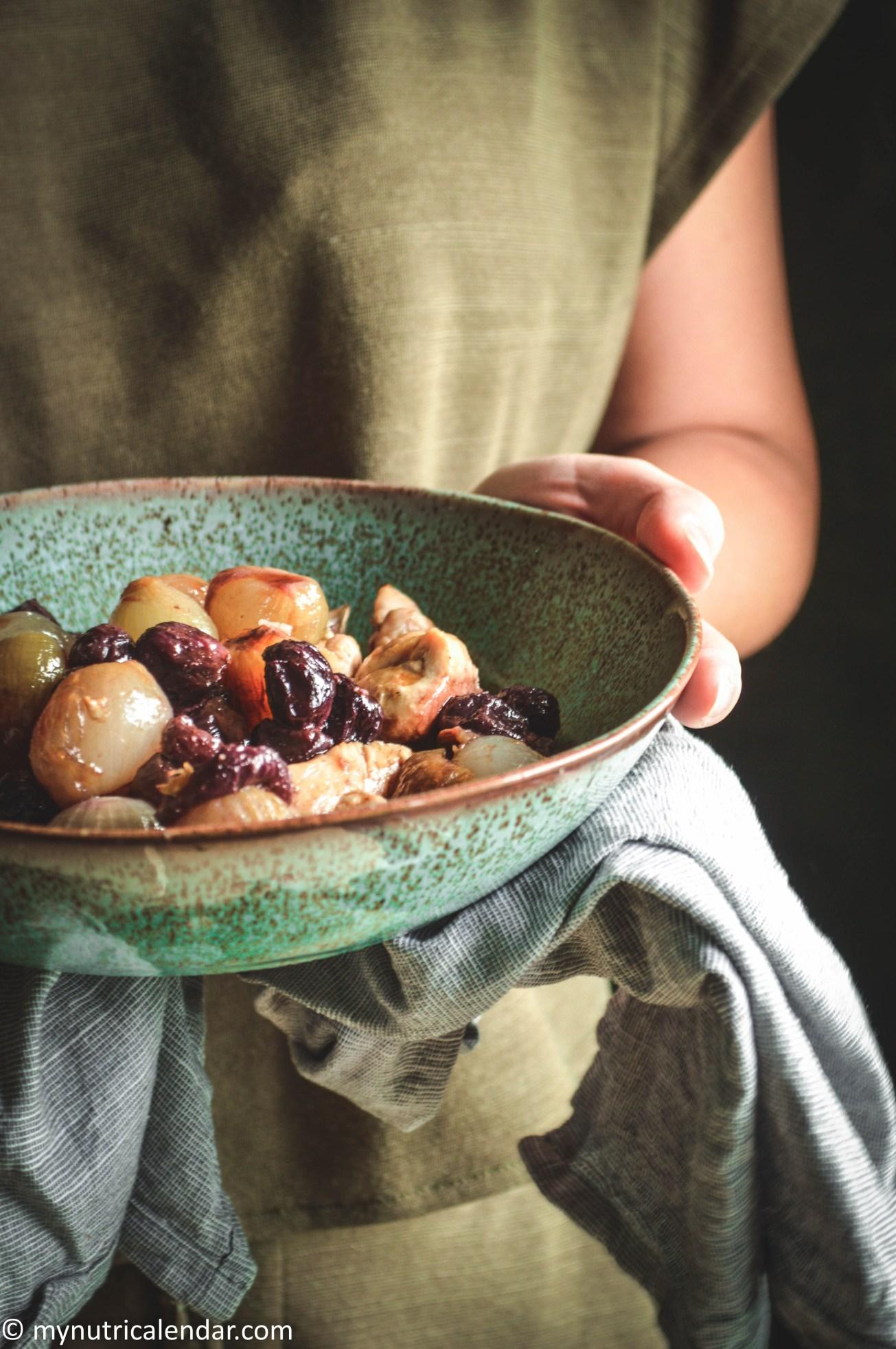 chicken shallots grapes roasted κοτόπουλο κρεμμύδια σταφύλια στο φούρνο.jpg