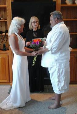 Outer-Banks-Wedding-Minister-Lisa-Bob