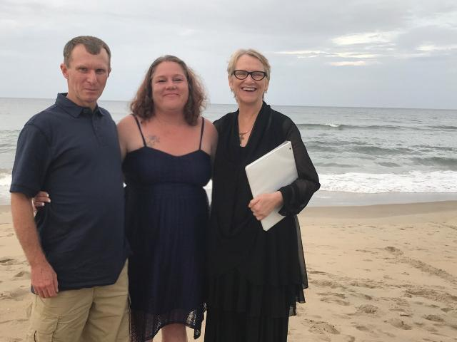 locke-family-wedding-beach-obx