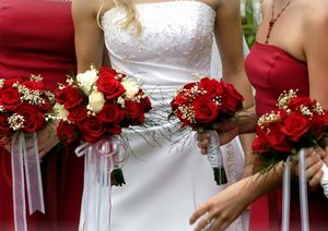 Outer-Banks-Wedding-Minister-flowers