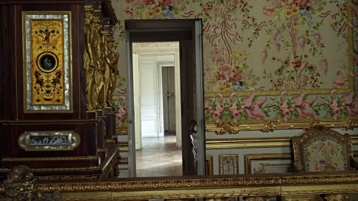 The passageway that Marie Antoinette escape through when the palace got stormed by rioters.