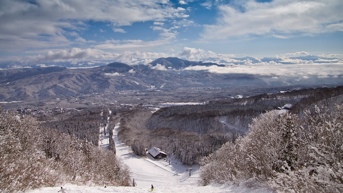 Res-Gal-3-1200wx675h The Resort & Lift Tickets