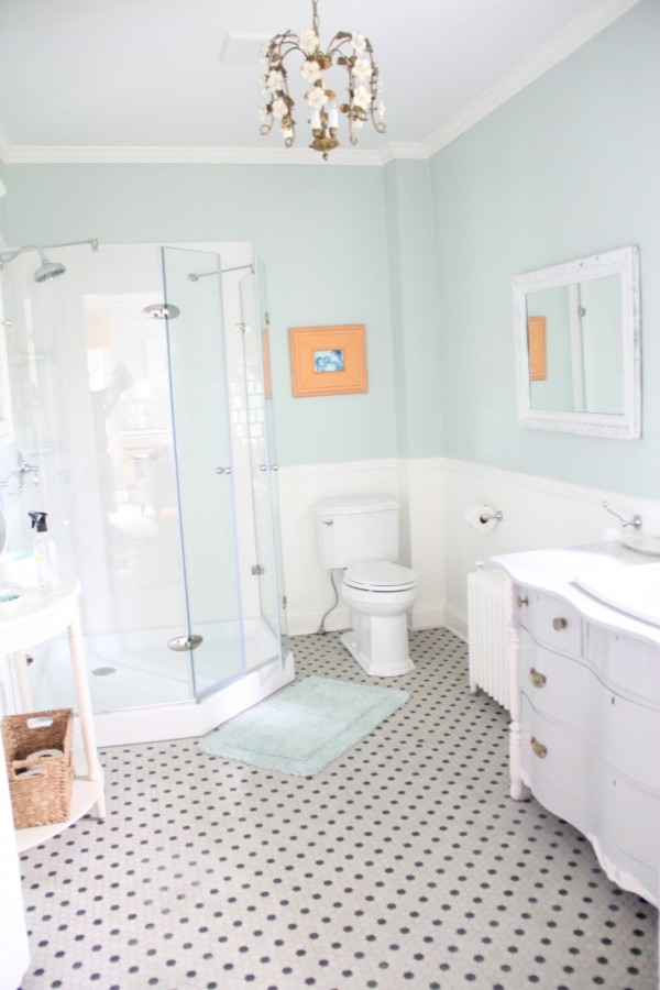 Monday Makeover Master Bathroom