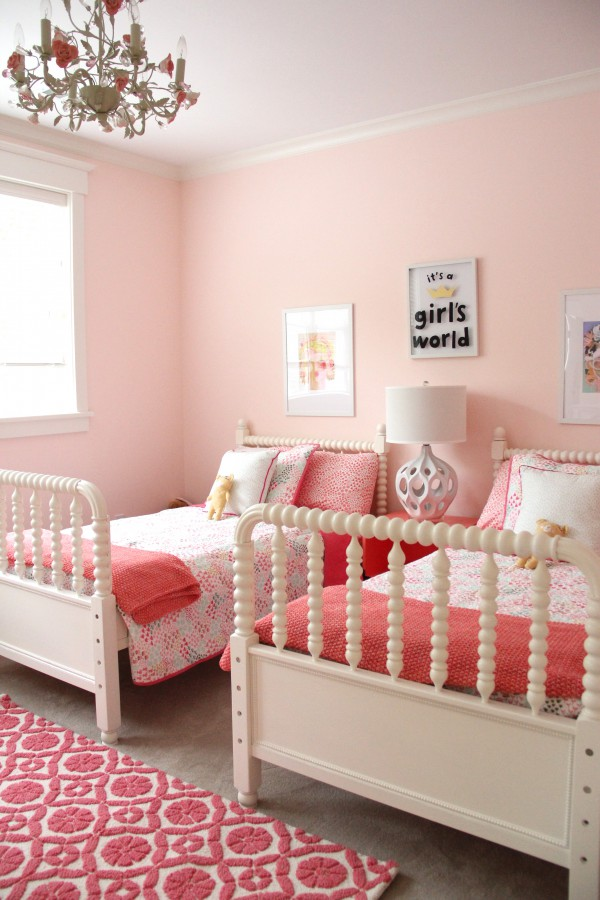 Monday makeover shared little girls room - Girl bed room ...