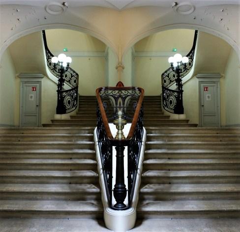 1astairs