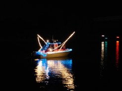 2014_Christmas_Lighted_Boat_Parade_Pictures_14