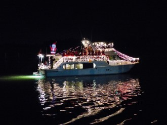 2014_Christmas_Lighted_Boat_Parade_Pictures_28