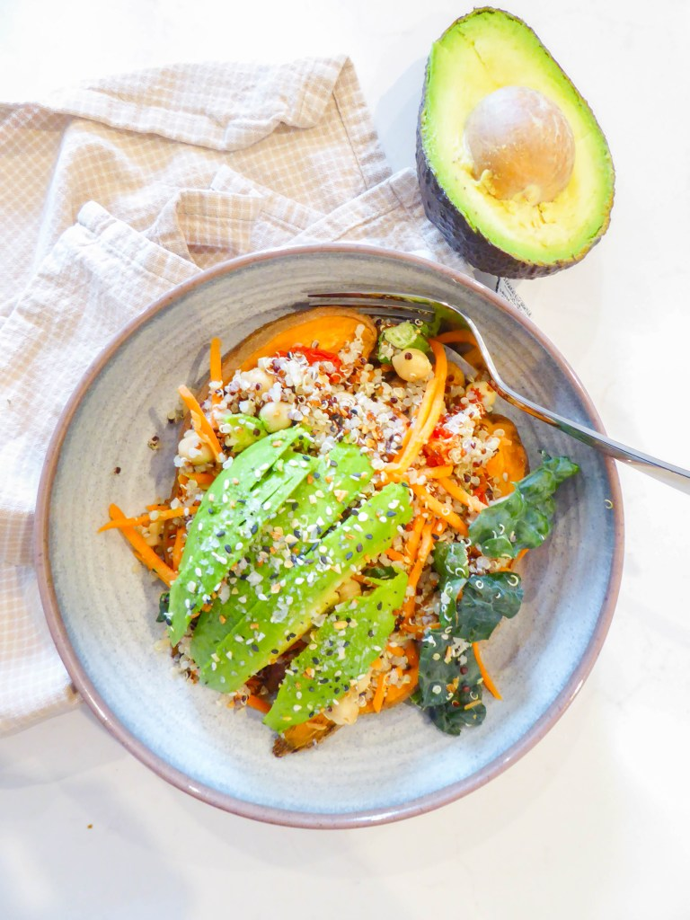 sweet potatoes quinoa lunch bowl - vegan and gluten-free quick option for lunch