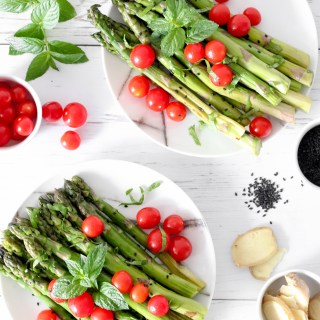 SESAME SEARED ASPARAGUS - delicious vegetable recipe to serve as a side or an appetizer