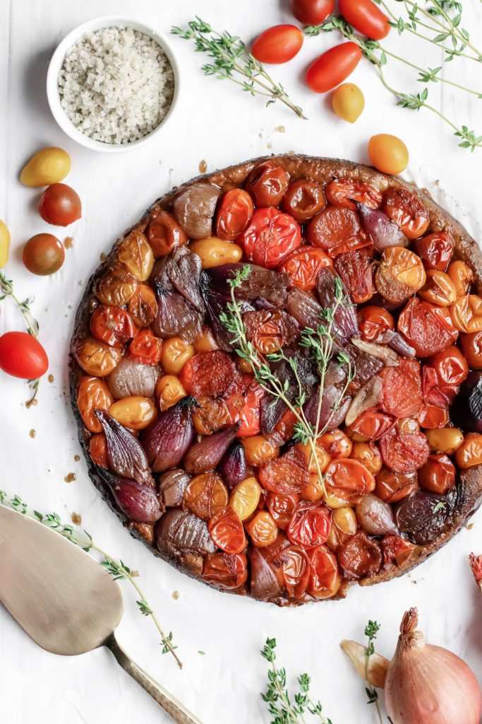 SAVORY TARTE TATIN - Plant-based beautiful dish to impress your guests. Made with spelt crust.
