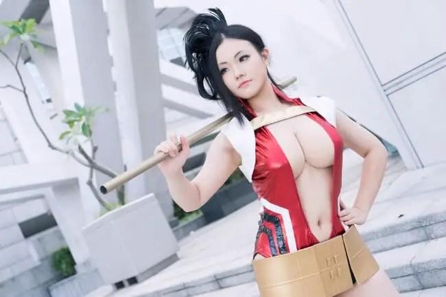 Momo Yaoyorozu cosplay