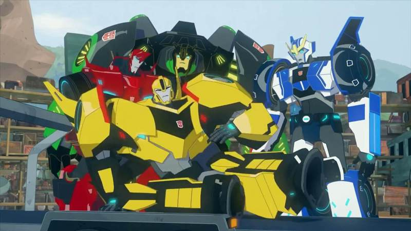 Transformers : Robots In Disguise